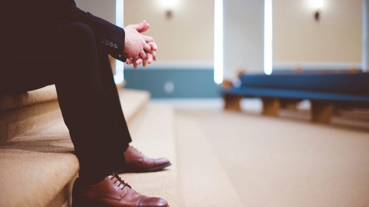新卒入社1年目の退職は不利?転職に迷ったときの対処法