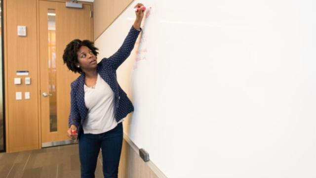【高校の英語科】大学進学や就職を考えて選ぶ方法