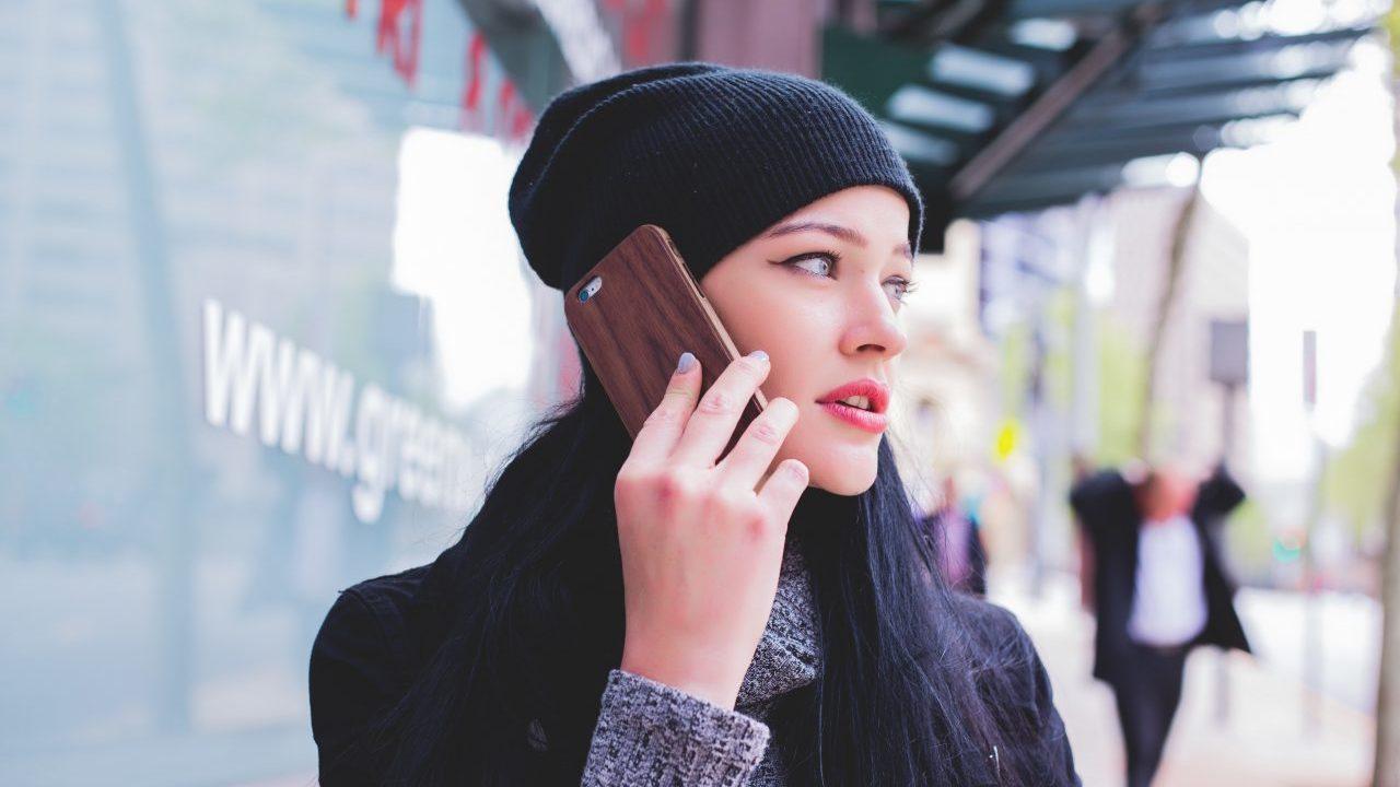 休みの日にある仕事の電話がストレスを感じたときの対処法