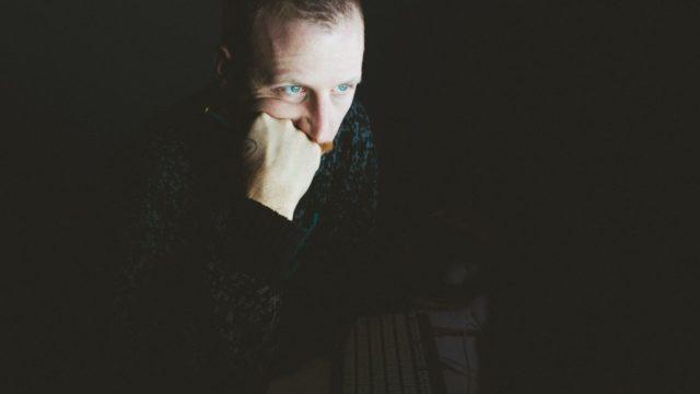 仕事が暇すぎるとストレスがたまる、辞めたいと思うのは間違ってない