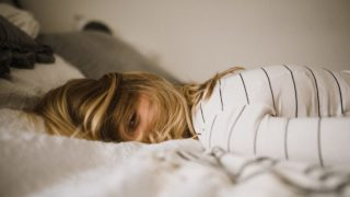 仕事のストレスで眠れないときの対処法