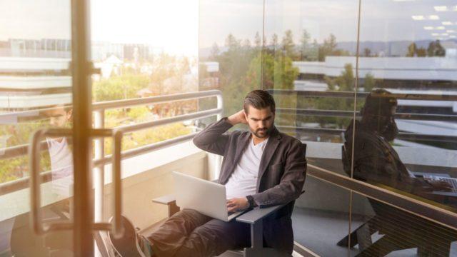 慣れない仕事に自信が持てず、不安になった時の対処法